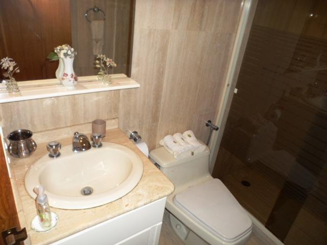 Apartamento Distrito Metropolitano>Caracas>Los Naranjos de Las Mercedes - Alquiler:599.000.000 Bolivares Fuertes - codigo: 16-9913
