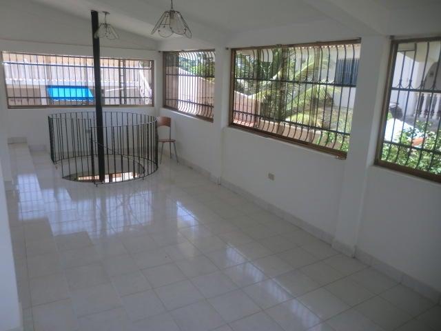 Casa Miranda>Tacarigua>Tacarigua - Venta:2.256.000.000 Bolivares - codigo: 16-9916