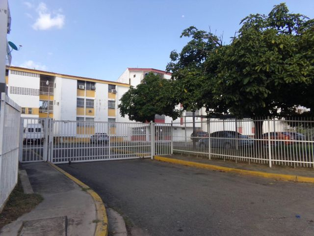 Apartamento Carabobo>Guacara>Ciudad Alianza - Venta:33.000.000 Bolivares Fuertes - codigo: 16-9936