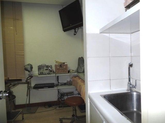 Consultorio Medico  Distrito Metropolitano>Caracas>La Campiña - Venta:61.073.000.000 Precio Referencial - codigo: 16-9998