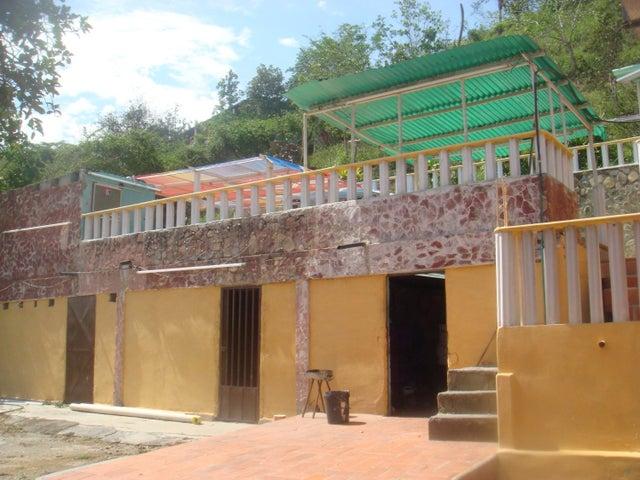 Casa Lara>Barquisimeto>Parroquia Concepcion - Venta:2.400.000.000 Bolivares - codigo: 16-10034