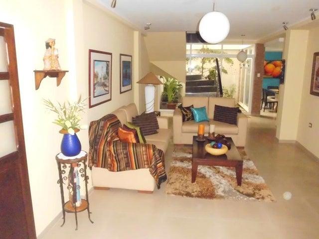 Casa Aragua>Turmero>La Mantuana - Venta:61.554.000.000 Precio Referencial - codigo: 16-10014