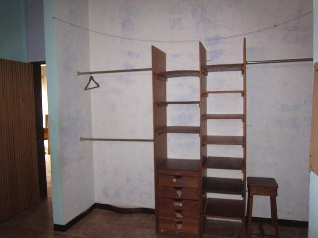 Casa Miranda>Charallave>Los Anaucos - Venta:9.454.000.000 Precio Referencial - codigo: 16-10135