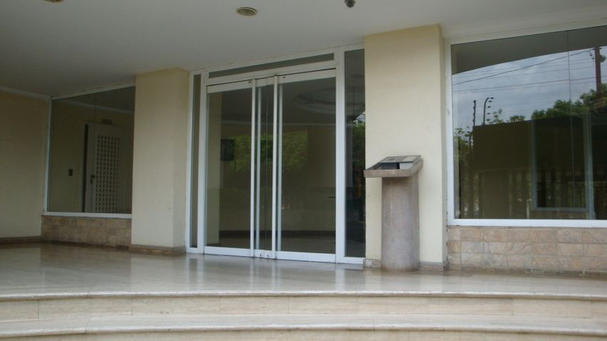 Apartamento Carabobo>Valencia>Los Mangos - Venta:36.644.000.000 Precio Referencial - codigo: 16-10072