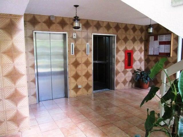 Apartamento Miranda>San Antonio de los Altos>Las Minas - Venta:11.279.000.000 Bolivares Fuertes - codigo: 16-10172