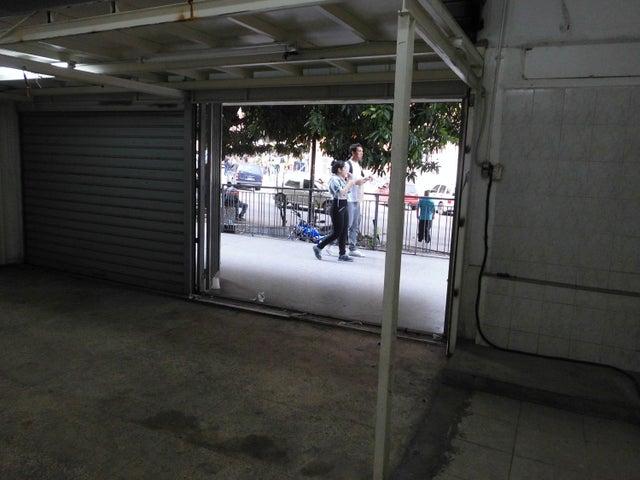Local Comercial Distrito Metropolitano>Caracas>Los Dos Caminos - Venta:17.000.000.000 Bolivares - codigo: 16-10609