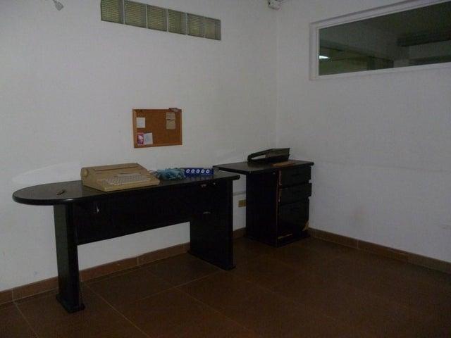 Local Comercial Zulia>Maracaibo>Indio Mara - Alquiler:200 Precio Referencial - codigo: 16-10142