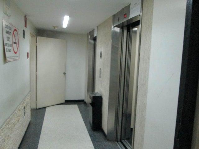 Oficina Distrito Metropolitano>Caracas>Parroquia La Candelaria - Venta:9.238.000.000 Bolivares - codigo: 16-10141