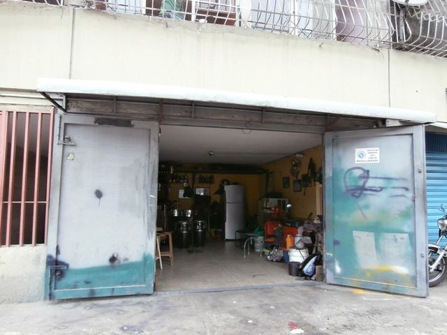 Local Comercial Distrito Metropolitano>Caracas>San Agustin del Sur - Venta:12.215.000.000 Bolivares - codigo: 16-10145