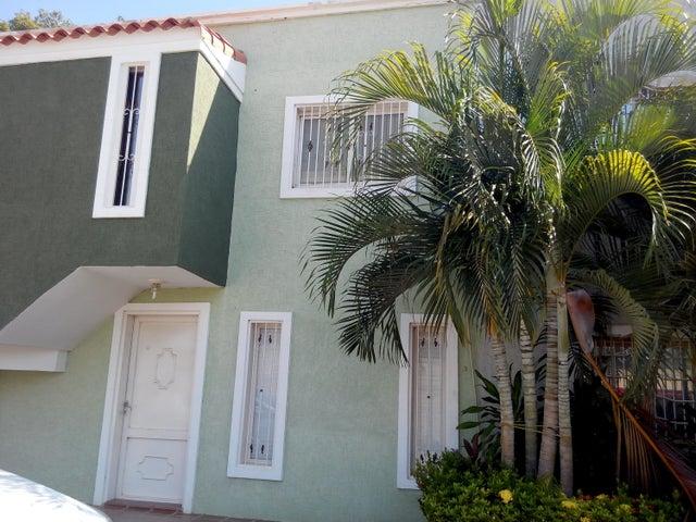 Townhouse Zulia>Cabimas>Carretera H - Venta:4.154.000.000 Bolivares - codigo: 16-10829