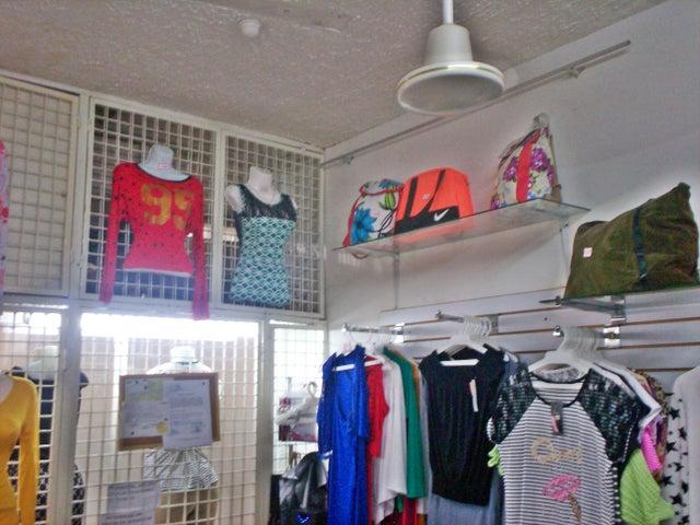 Local Comercial Aragua>La Victoria>Centro - Venta:2.030.000.000 Bolivares - codigo: 16-10146