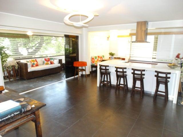 Apartamento Distrito Metropolitano>Caracas>Los Palos Grandes - Venta:159.630.000.000 Precio Referencial - codigo: 16-10328