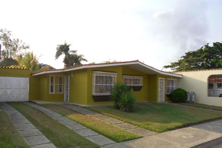 Casa Carabobo>Municipio Libertador>El Molino - Venta:20.000 Precio Referencial - codigo: 16-10252