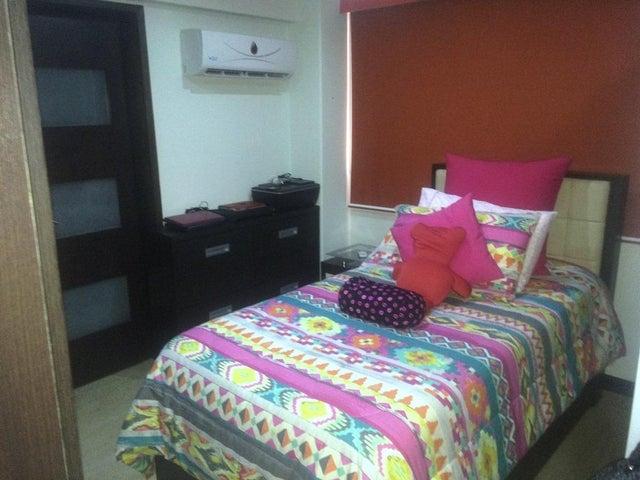 Apartamento Distrito Metropolitano>Caracas>Loma Linda - Venta:646.000.000 Bolivares Fuertes - codigo: 16-10302