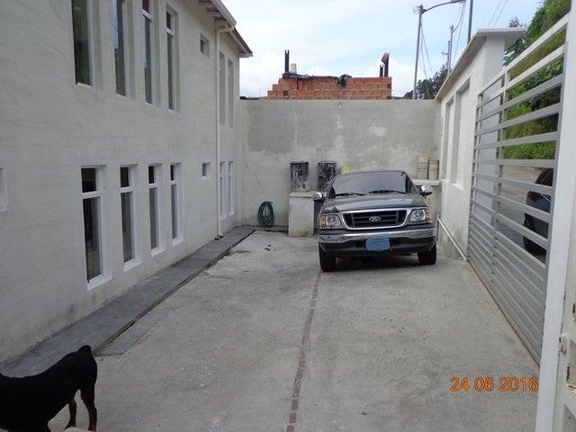 Casa Miranda>San Antonio de los Altos>Lomas de Urquia - Venta:13.880.000.000 Bolivares - codigo: 16-10376