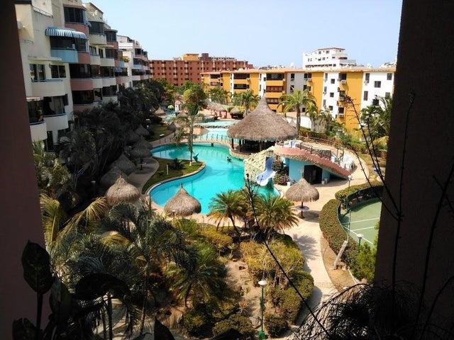 Apartamento Miranda>Higuerote>Agua Sal - Venta:44.118.000.000 Precio Referencial - codigo: 16-10412