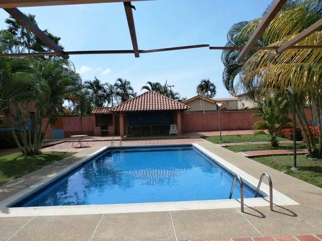 Townhouse Miranda>Higuerote>Puerto Encantado - Venta:8.826.000.000 Bolivares - codigo: 16-10407