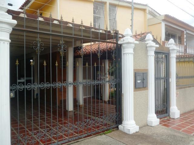 Casa Miranda>Ocumare del Tuy>Ocumare - Venta:1.917.000.000 Bolivares - codigo: 16-9382