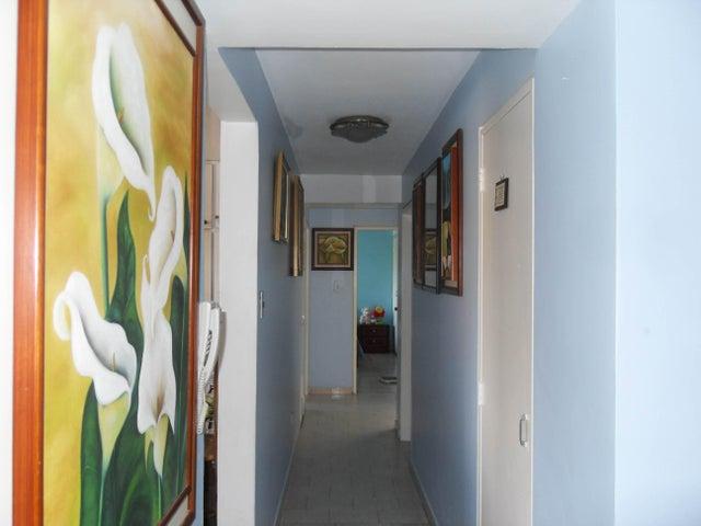 Apartamento Carabobo>Valencia>Agua Blanca - Venta:70.000.000 Bolivares Fuertes - codigo: 16-10447
