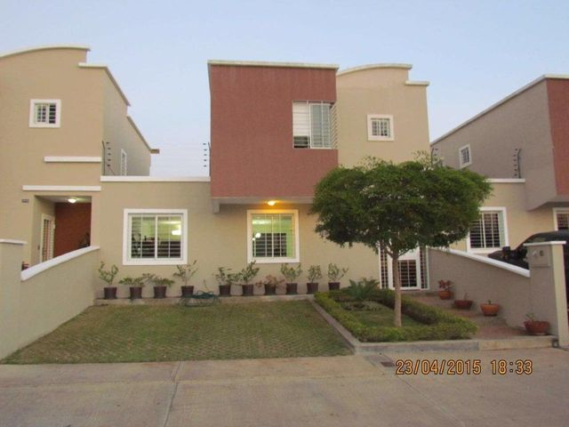 Casa Lara>Barquisimeto>Ciudad Roca - Venta:91.609.000.000 Precio Referencial - codigo: 16-10492