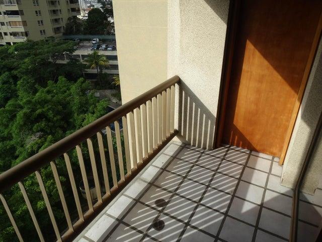 Apartamento Distrito Metropolitano>Caracas>Colinas de Quinta Altamira - Venta:15.791.000.000 Bolivares Fuertes - codigo: 16-10628