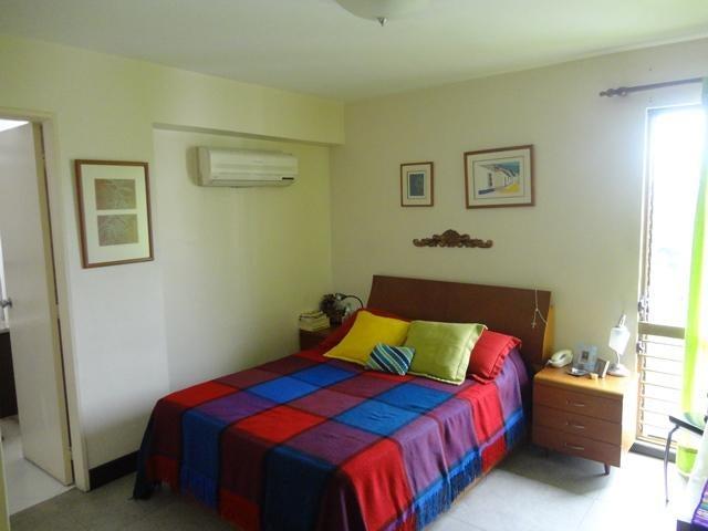 Apartamento Distrito Metropolitano>Caracas>Colinas de La California - Venta:140.000 Precio Referencial - codigo: 16-10504