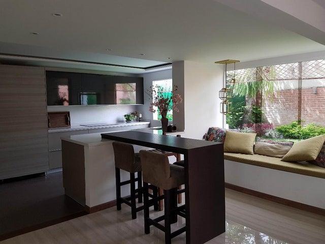 Casa Distrito Metropolitano>Caracas>Sebucan - Venta:409.665.000.000 Precio Referencial - codigo: 16-10503