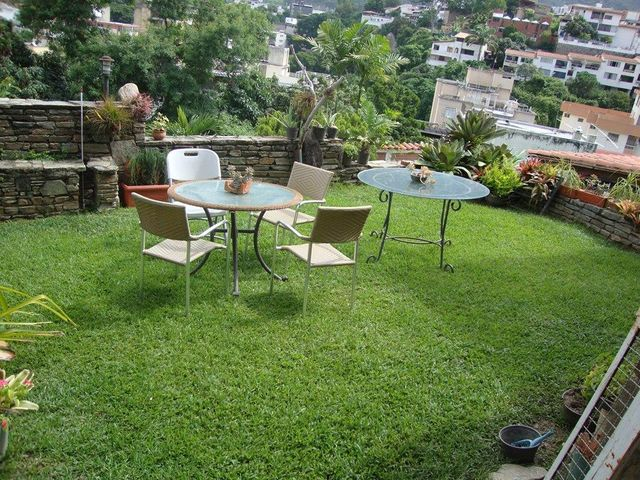 Casa Distrito Metropolitano>Caracas>El Marques - Venta:113.159.000.000 Bolivares - codigo: 16-10544