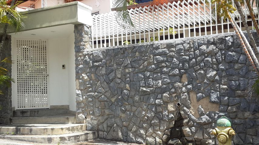 Casa Distrito Metropolitano>Caracas>Santa Fe Norte - Venta:91.651.000.000 Bolivares - codigo: 16-10735