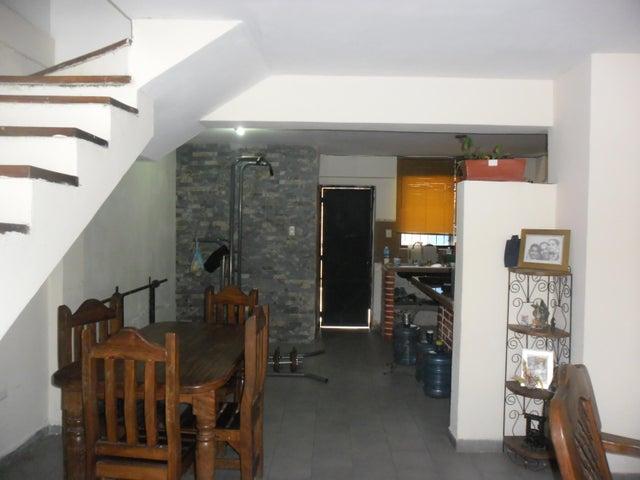 Townhouse Carabobo>Municipio San Diego>Monteserino - Venta:75.000.000 Bolivares - codigo: 16-10591