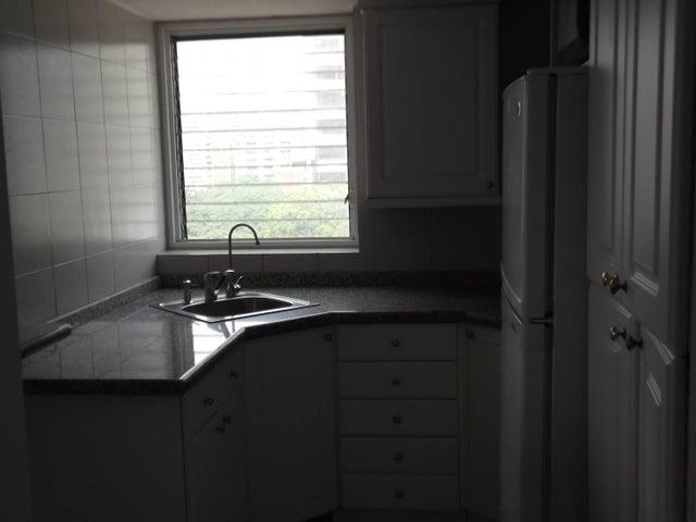 Apartamento Distrito Metropolitano>Caracas>La Campiña - Venta:7.921.000.000 Bolivares Fuertes - codigo: 16-10680
