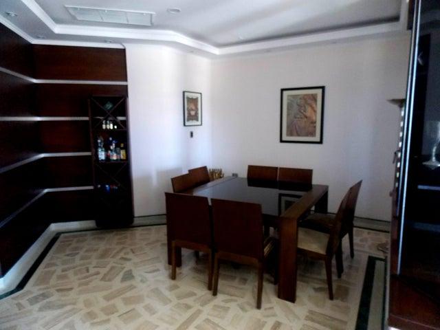 Casa Falcon>Punto Fijo>Terrazas Club de Golf - Venta:69.282.000.000 Bolivares - codigo: 16-10700