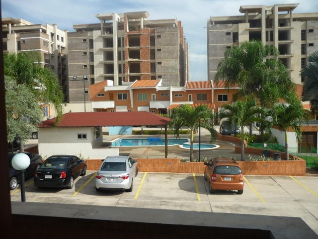 Townhouse Carabobo>Valencia>Manongo - Venta:120.000 Precio Referencial - codigo: 16-10708