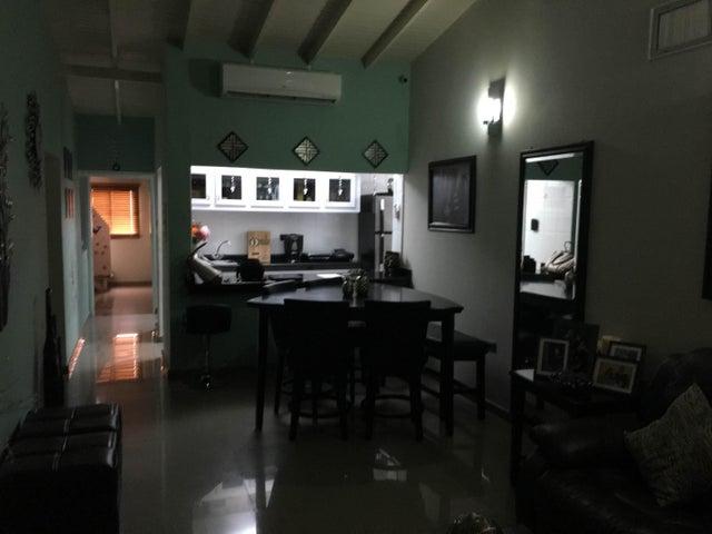 Casa Falcon>Punto Fijo>Pedro Manuel Arcaya - Venta:6.516.000.000 Bolivares - codigo: 16-10717
