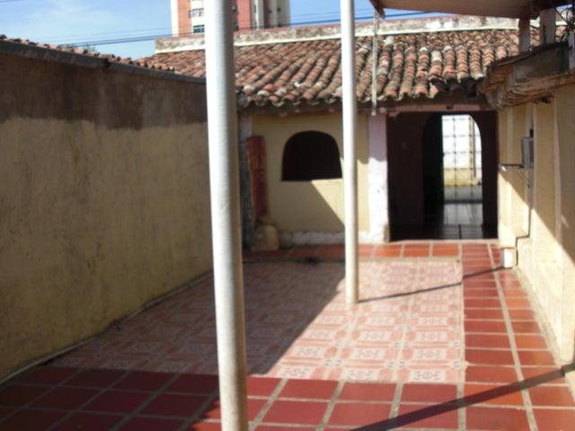Casa Falcon>Coro>Centro - Venta:170.000.000 Bolivares - codigo: 16-10729