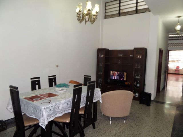 Casa Aragua>Maracay>Zona Centro - Venta:15.842.000.000 Bolivares - codigo: 16-10745