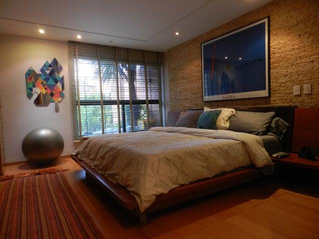Apartamento Distrito Metropolitano>Caracas>La Tahona - Venta:40.737.000.000 Bolivares Fuertes - codigo: 16-10761