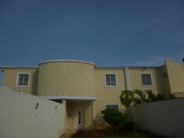 Townhouse Zulia>Ciudad Ojeda>Avenida Vargas - Venta:3.914.000.000 Bolivares - codigo: 16-10776