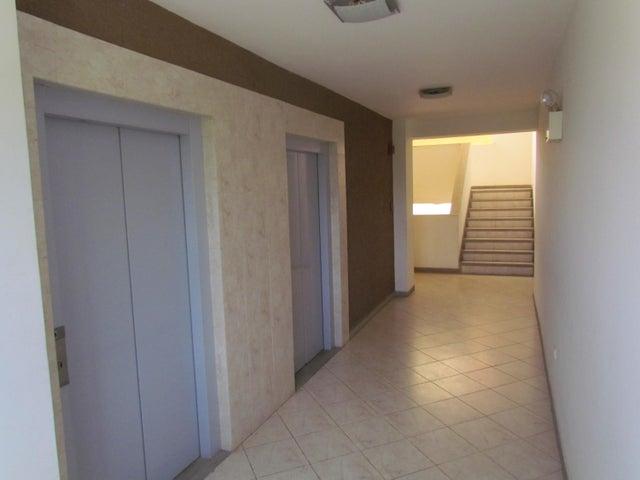 Apartamento Carabobo>Municipio Naguanagua>Palma Real - Venta:4.700.000.000 Bolivares Fuertes - codigo: 16-10808