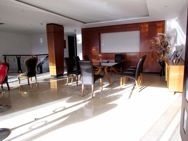 Apartamento Distrito Metropolitano>Caracas>Los Naranjos del Cafetal - Venta:103.603.000.000 Bolivares Fuertes - codigo: 16-10799