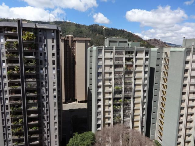 Apartamento Distrito Metropolitano>Caracas>El Cigarral - Venta:31.582.000.000 Bolivares Fuertes - codigo: 16-10843