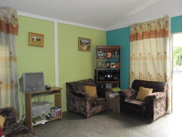 Casa Carabobo>San Joaquin>Villas del Centro - Venta:37.000.000 Bolivares - codigo: 16-10853