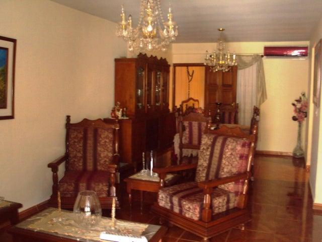 Casa Aragua>Turmero>Santiago Mariño - Venta:5.640.000.000 Bolivares - codigo: 16-10875