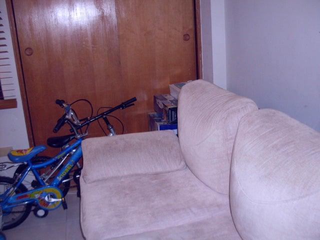 Apartamento Carabobo>Municipio Naguanagua>Tazajal - Venta:30.000 Precio Referencial - codigo: 16-10901