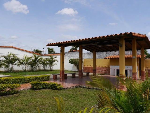 Casa Lara>Cabudare>Parroquia Jose Gregorio - Venta:70.000.000 Bolivares Fuertes - codigo: 16-10928