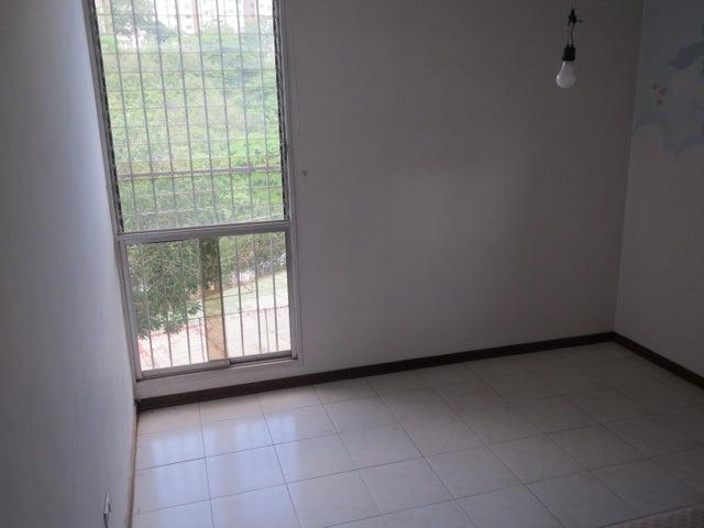 Apartamento Distrito Metropolitano>Caracas>La Urbina - Venta:18.105.000.000 Bolivares Fuertes - codigo: 16-11383