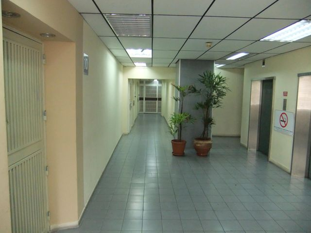 Oficina Distrito Metropolitano>Caracas>Los Palos Grandes - Alquiler:733.000.000 Precio Referencial - codigo: 16-10984