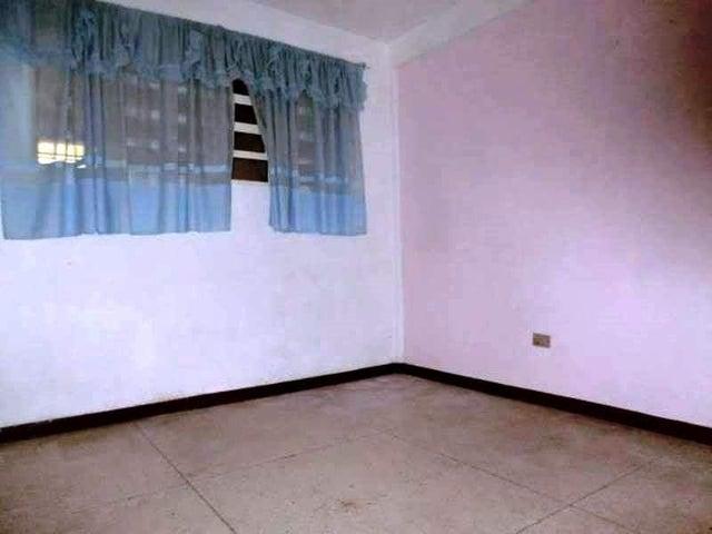 Casa Miranda>San Antonio de los Altos>Los Castores - Venta:91.609.000.000 Precio Referencial - codigo: 16-11031
