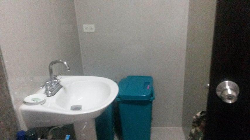 Apartamento Carabobo>Valencia>Los Mangos - Venta:12.723.000.000 Bolivares Fuertes - codigo: 16-11102