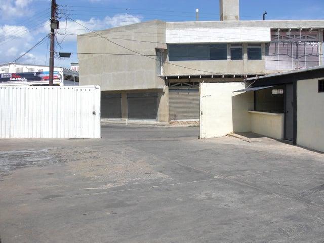 Local Comercial Falcon>Coro>Centro - Venta:35.000 Precio Referencial - codigo: 16-11104